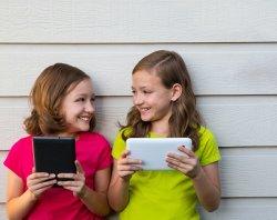 10 гаджетов и приложений, которые отвлекут детей от взрослых